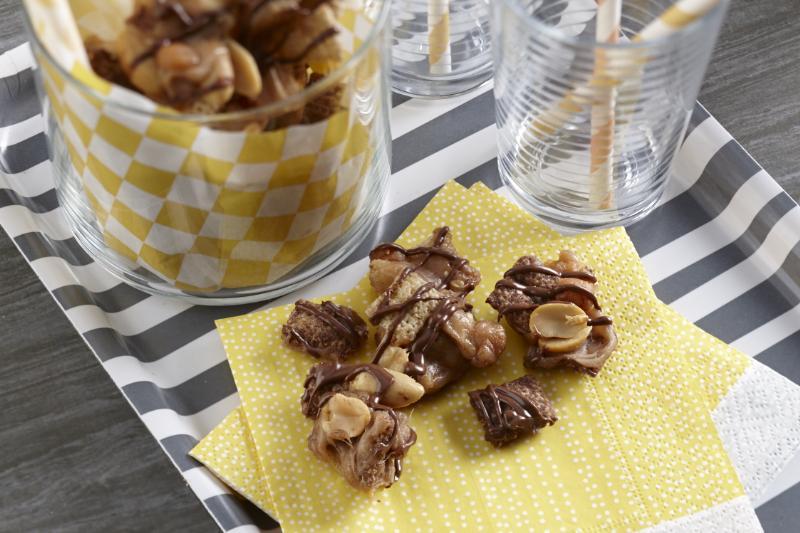 Caramel Peanut Crunch Mix