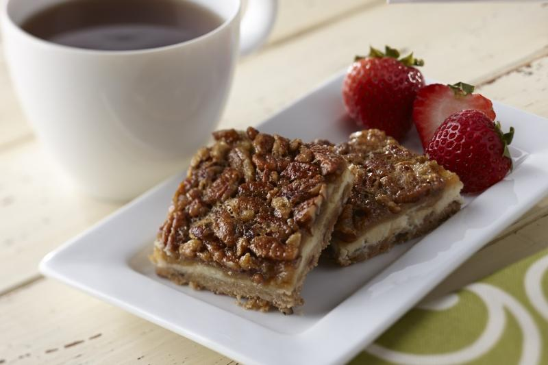 Cheesecake Pecan Bars