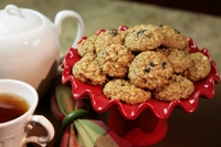 Lite Oatmeal Raisin Cookies